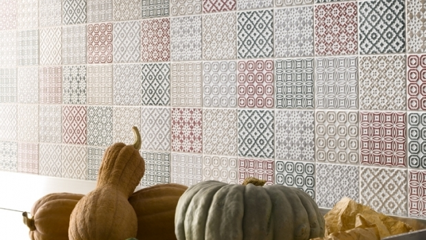 Geometry and imagination in the kitchen tiles