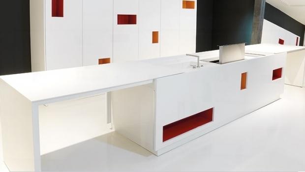 Handle-free kitchen