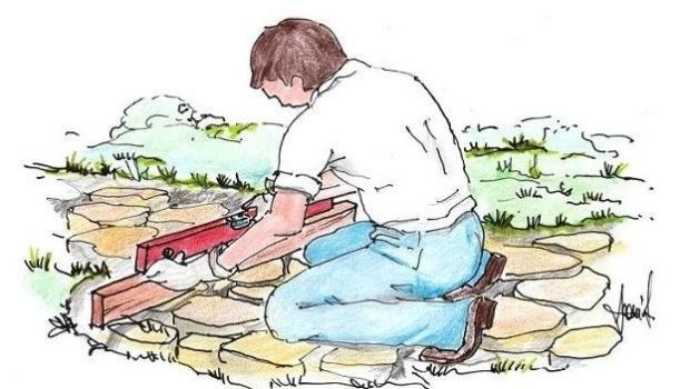 Path in the garden with irregular stones: how to make it