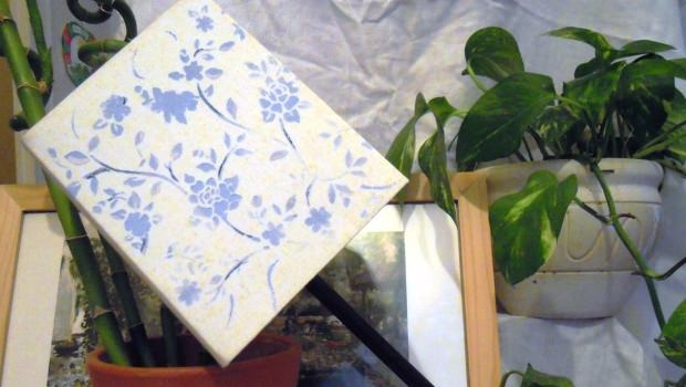 Decorate a lampshade with the stencil technique