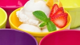 Accessories to enjoy ice cream at home