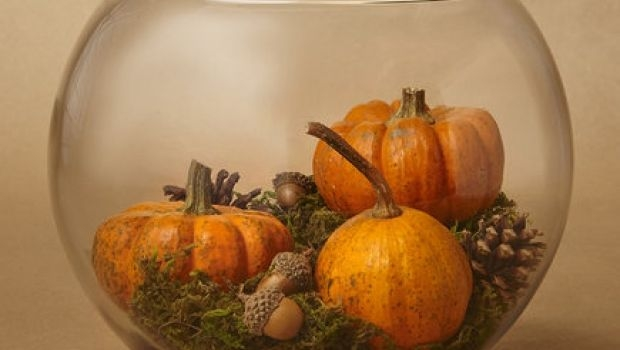 Pumpkins as a centerpiece for Halloween
