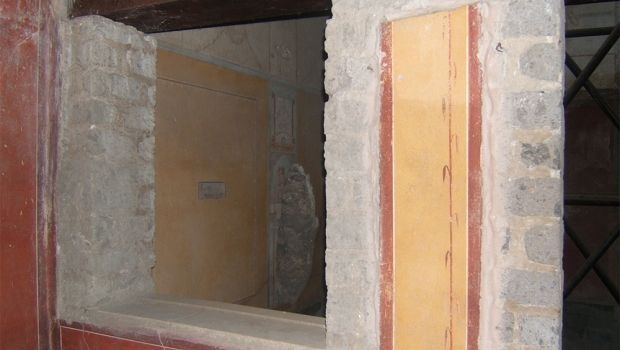 Wall paintings: the encaust technique