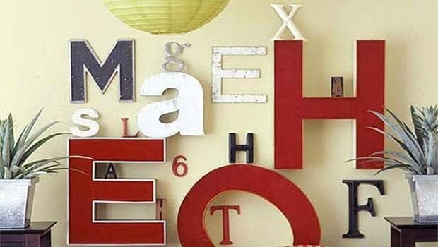 Letters to decorate the home