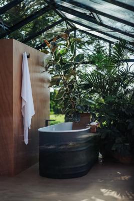 Outdoor-bathtub-by-agape