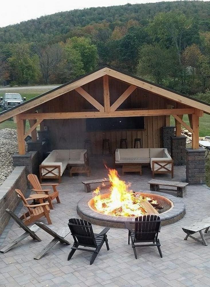 The-wooden-shed-can-become-a-room-for-outdoor-relaxation-pinterest