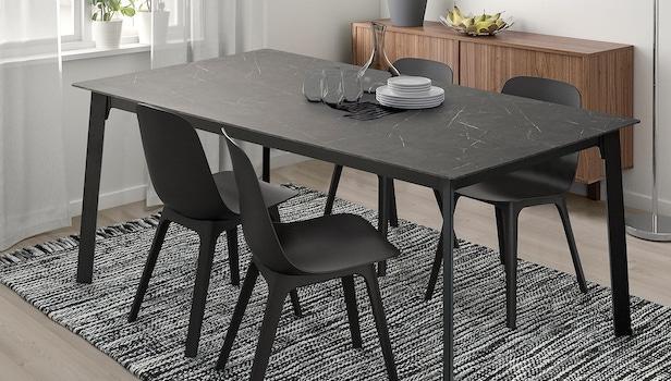 Gillanda black extendable table - Photo: Ikea