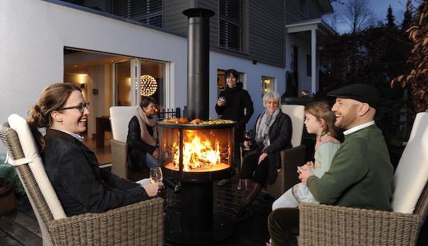 Barbecue da giardino a legna e camino per esterno Surprise - Foto: Rüegg