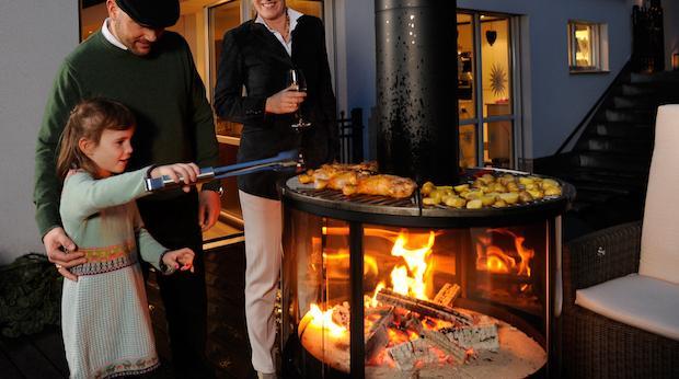 Barbecue in giardino: caminetto da esterni Surprise - Foto: Rüegg