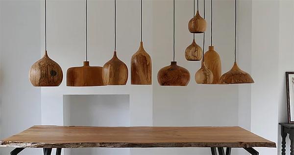 Lampadari in legno Cupola Pendants di Tamasine Osher