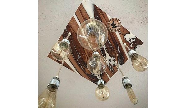 Lampadario in legno di castagno e resina bianca by Wanos